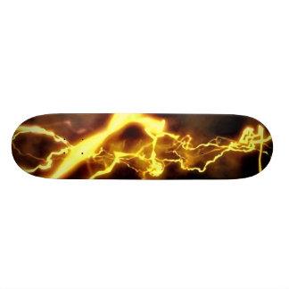 黄色いボルト スケートボード