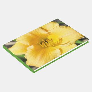 黄色いユリの花のゲストブック ゲストブック
