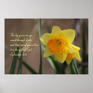 黄色いラッパスイセンとのEphesiansの2:8の聖書の詩 ポスター