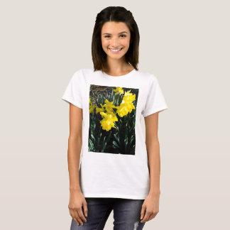 黄色いラッパスイセン Tシャツ