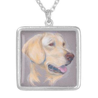 黄色いラブラドル・レトリーバー犬のポートレート シルバープレートネックレス