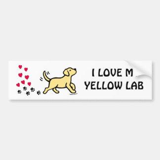 黄色いラブラドールのハートのバレンタインのステッカー バンパーステッカー