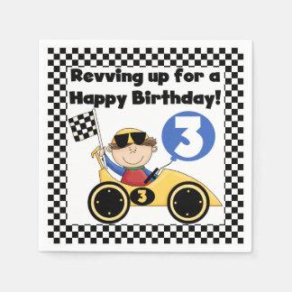 黄色いレースカーの第3誕生日の紙ナプキン スタンダードカクテルナプキン