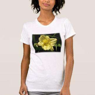黄色いワスレグサの花 Tシャツ