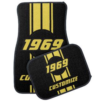黄色い二重競争はDIYの年および文字と縞で飾ります カーマット