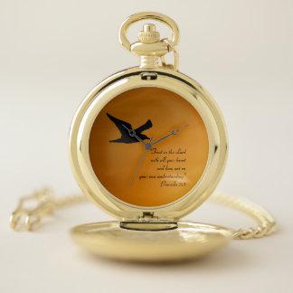 黄色い日没の空の鳥の飛行中に信頼の聖書の詩 ポケットウォッチ