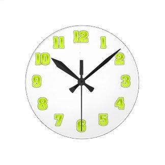 黄色い時計のテンプレートのライムグリーン ラウンド壁時計