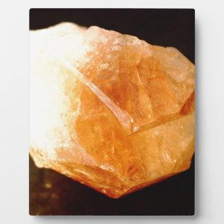 黄色い水晶、淡黄色の鉱物 フォトプラーク