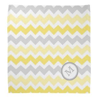 黄色い灰色のシェブロンパターンモノグラムのバンダナ バンダナ