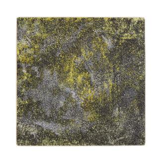 黄色い背景の白黒インク ウッドコースター