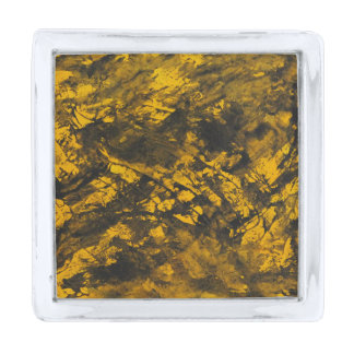 黄色い背景の黒いインク シルバー ラペルピン