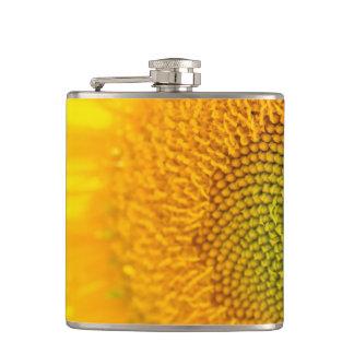 黄色い花のヒマワリ フラスク