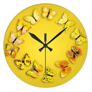 黄色い蝶ノベルティの柱時計 ラージ壁時計