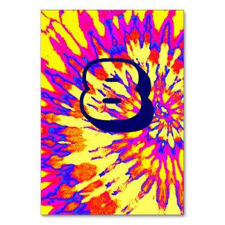 黄色い螺線形の絞り染めの結婚式表8 カード