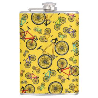 黄色い道のバイク フラスク