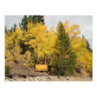 黄色い鉱石のカート ポストカード