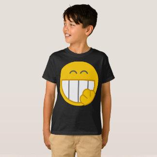 黄色い顔カバーを笑わせるスマイリーはTシャツをからかいます Tシャツ