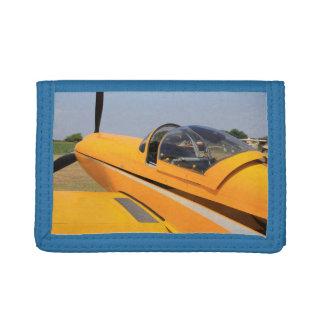 黄色い飛行機の三つ折り財布