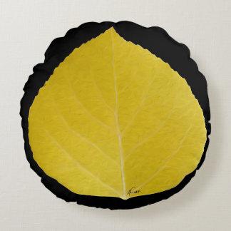 黄色い《植物》アスペンの葉#5 ラウンドクッション