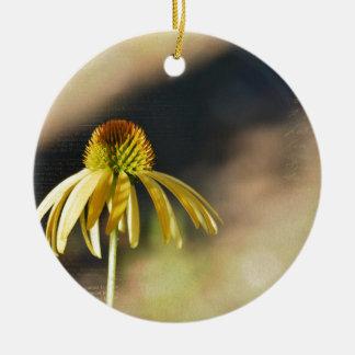 黄色いEchinacea セラミックオーナメント