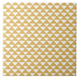 黄色および白い三角形 タイル