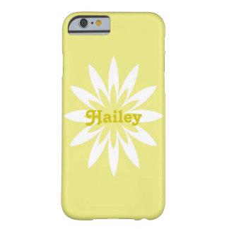 黄色および白い花のモノグラムの携帯電話の箱 BARELY THERE iPhone 6 ケース