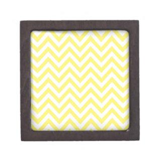 黄色および白のストライプなジグザグパターン ギフトボックス