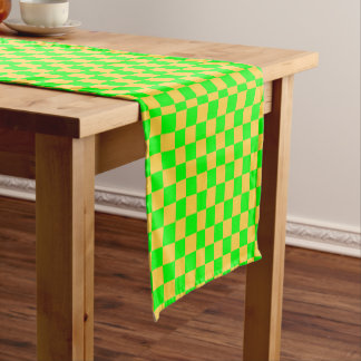黄色および緑の点検 ショートテーブルランナー