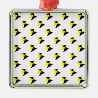 黄色および黒ダイヤ凧パターン メタルオーナメント