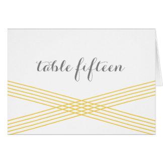 黄色くモダンなDecoのテーブル数カード カード