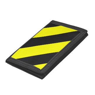 黄色く黒い関心は縞で飾ります