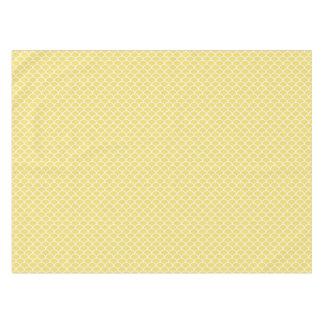 黄色によってスカラップで仕上げられるパターンテーブルクロス テーブルクロス