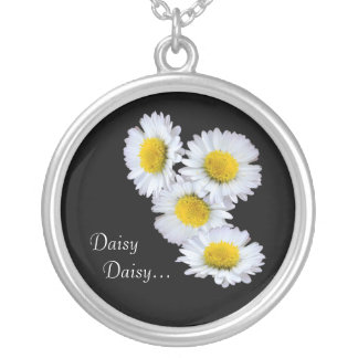 黄色のデイジーのデイジー シルバープレートネックレス