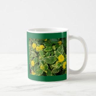 黄色の常緑樹 コーヒーマグカップ