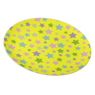 黄色の明るく、鮮やかな星パターン プレート