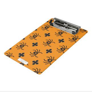 黄色の気味悪いハロウィンのくもパターン ミニクリップボード