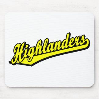 黄色の高地居住者の原稿のロゴ マウスパッド
