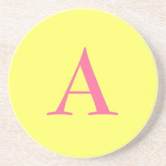 """黄色の""""A""""のモノグラム コースター"""