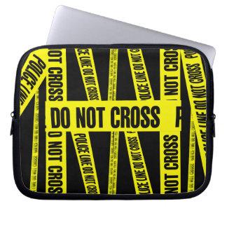 黄色は犯罪現場テープ危険区域を交差させません ラップトップスリーブ