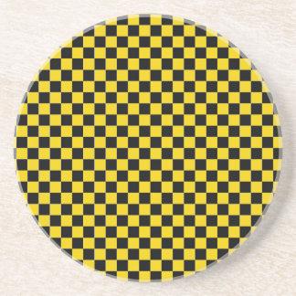 黄色はSOAPSTONEのコースターを市松模様にします コースター