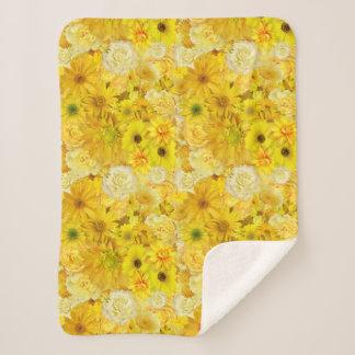 黄色バラの友情の花束のガーベラのデイジー シェルパブランケット