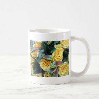 黄色バラの芽 コーヒーマグカップ