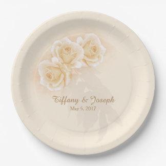黄色バラ及びユーカリは紙皿を個人化します ペーパープレート