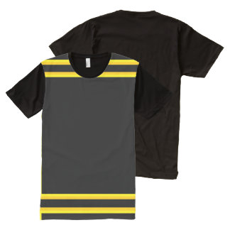 黄色金ゴールドのトリムとの黒 オールオーバープリントT シャツ