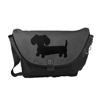 黒いおよび灰色のダックスフントのメッセンジャーコンピュータバッグ メッセンジャーバッグ