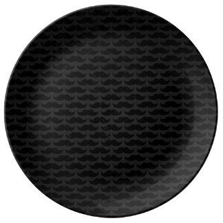 黒いおよび灰色の口ひげパターン 磁器プレート