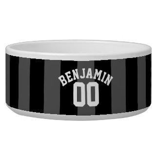 黒いおよび灰色の銀製のラグビーのストライプな一流数