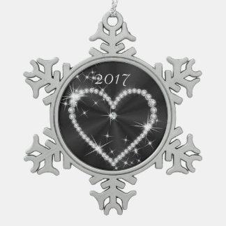 黒いきらめくサテンのダイヤモンドのハート スノーフレークピューターオーナメント