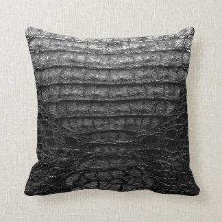 黒いわにプリントの枕#1 クッション