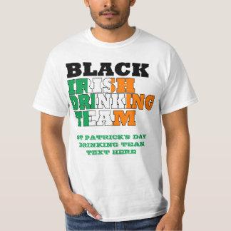 黒いアイルランドの飲むチーム Tシャツ